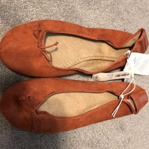 Burnt orange flats size 8 new with tags